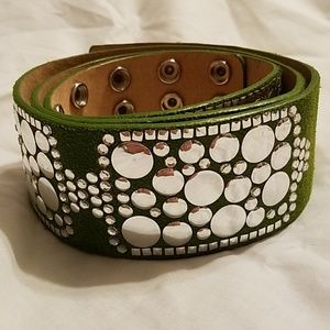 Betsy Johnson Green Suede Snap Belt